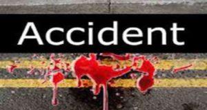 ट्रक और कार की टक्कर में अधेड़ की मौत, दो लोग घायल
